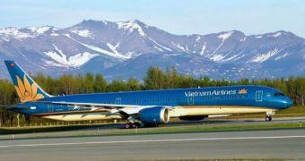 Tổ chức 12 chuyến bay đưa người Việt từ Mỹ về nước